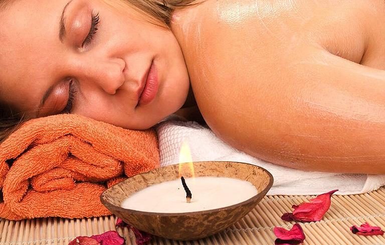 Massagekerzenbehandlung